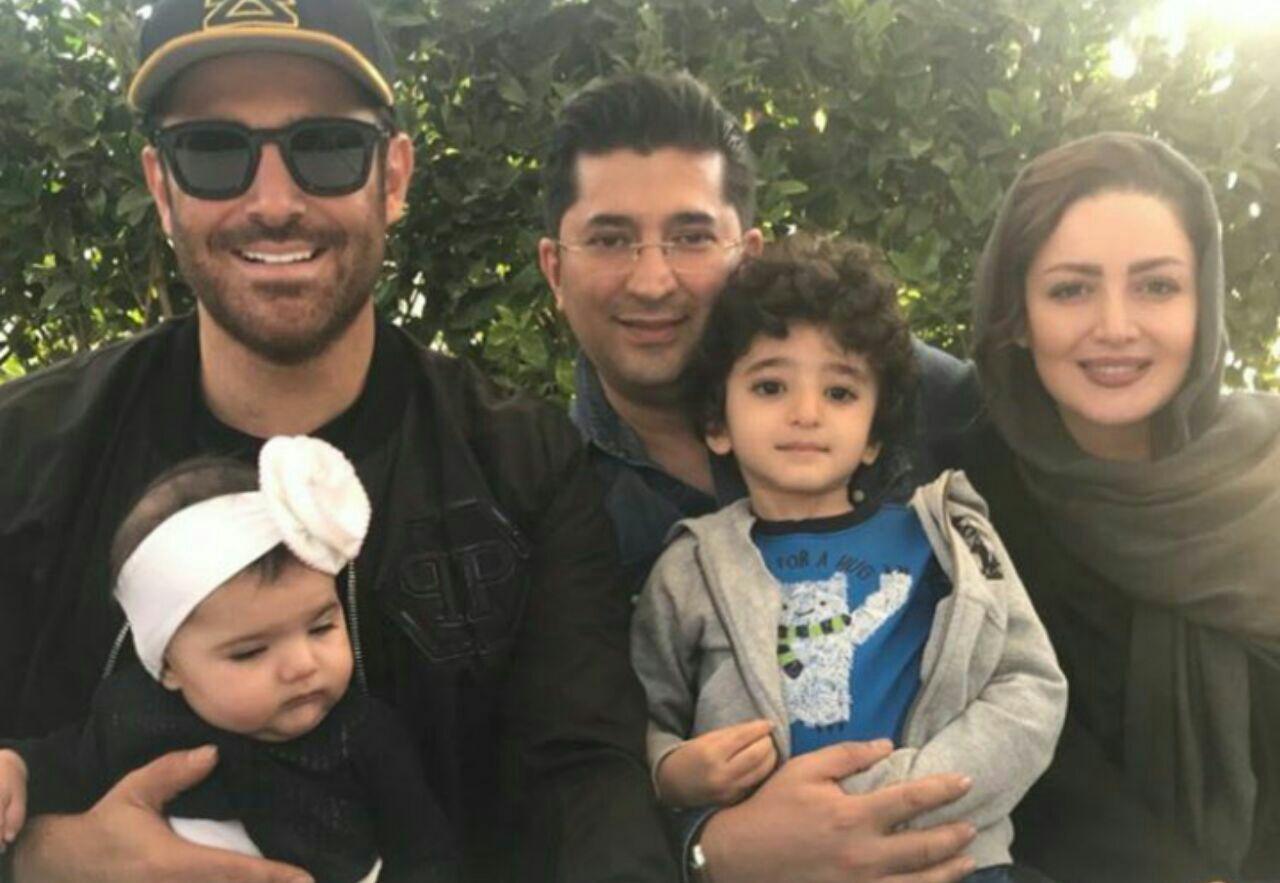 شیلا خداداد و خانواده اش در کنار محمدرضا گلزار