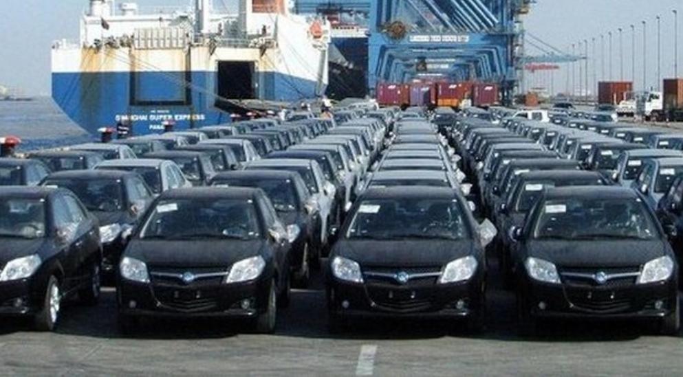 موافقت با ترخیص خودروهای متوقف در گمرک
