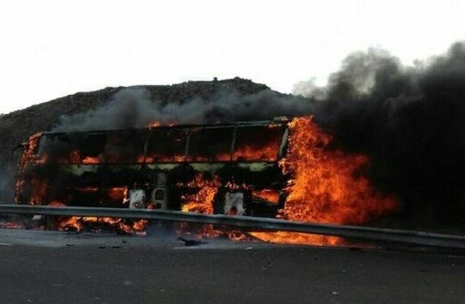 آخرین اخبار از حادثه آتشسوزی اتوبوس تهران ــ کرمان + اسامی مصدومان