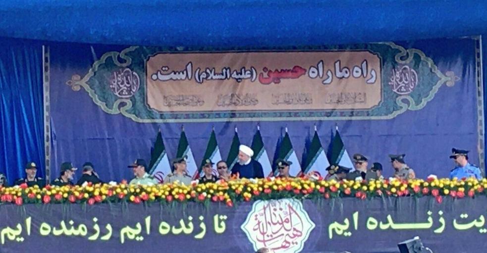 عکس/ لحظه مطلع کردن رئیس جمهور از حمله تروریستی امروز اهواز