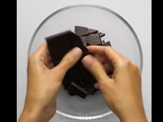 ترفندهایی جالب با شکلات!