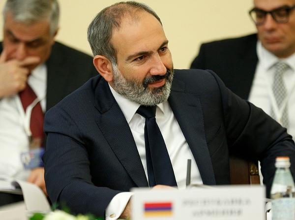 نخستوزیر ارمنستان فردا به ایران میآید/ دیدار پاشینیان با رهبر انقلاب و روسای قوای مقننه و مجریه