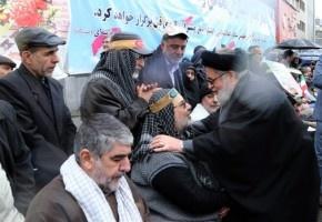 ملت ایران با حضور در راهپیمایی ۲۲ بهمن همراهی با انقلاب اسلامی را نشان دادند