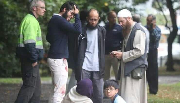 حمله مسلحانه مرگبار به دو مسجد در نیوزیلند/ دستکم ۴۹ نفر کشته شدند + فیلم (۱۸+)