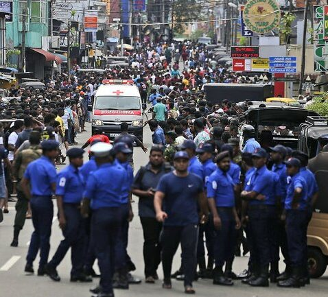 جزئیات سلسله انفجارها در سریلانکا / بیش از ۱۶۰ تن کشته شده و ۴۰۰ تن دیگر زخمی در ۸ انفجار / اعلام حکومت نظامی