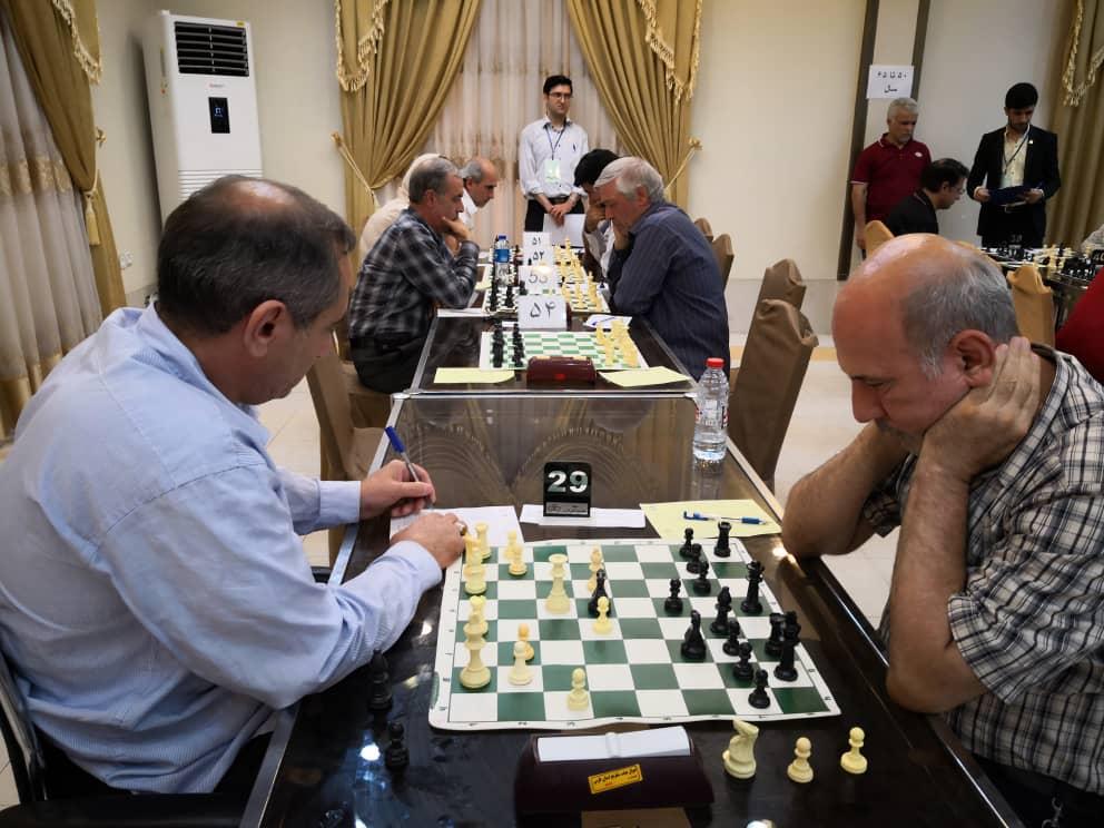 رقابتهای شطرنج قهرمانی پیشکسوتان کشور به پایان دور دوم رسید