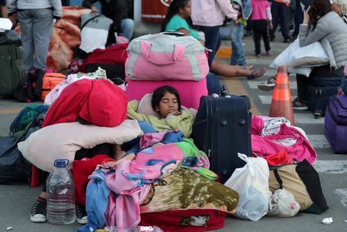 مهاجران ونزوئلایی در مرز با پرو/ رویترز