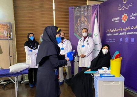 دختر رئیس ستاد اجرایی فرمان امان نخستین دریافت کننده واکسن ایرانی کرونا