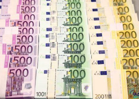 نرخ رسمی یورو و ۲۹ ارز دیگر کاهشی شد