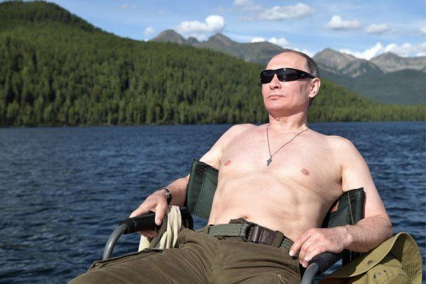 ولادیمیر پوتین جذابترین مرد روسیه شد+عکس