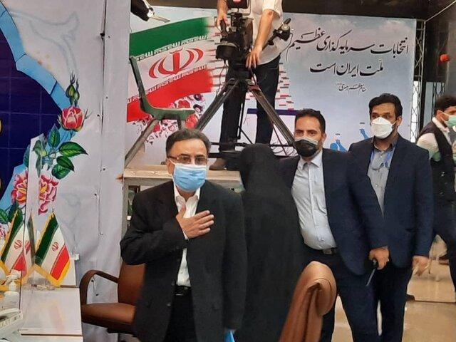 مصطفی مصطفی تاجزاده وارد ستاد انتخابات کشور شد