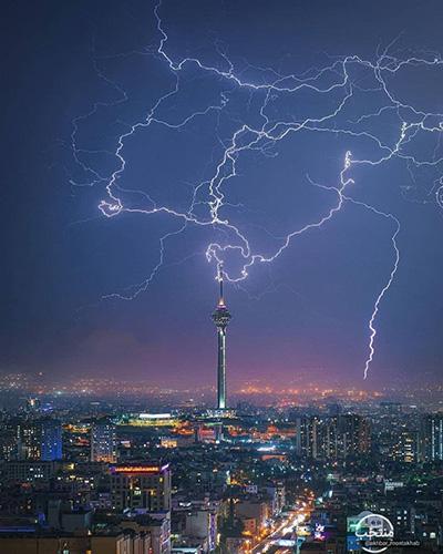 رعد و برق زیبا در آسمان تهران / عکس