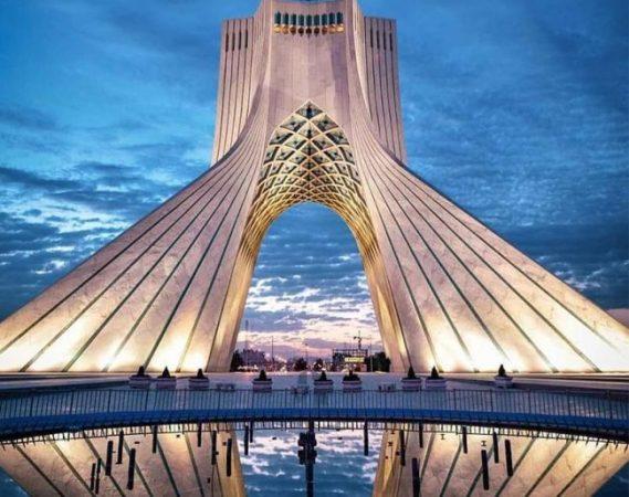 چالش آفرینی جدید شهرداری برای برج آزادی