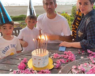 جشن تولد خانوادگی مجتبی جباری کنار دریا/ عکس