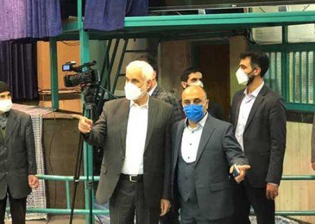 اعتراض به مهرعلیزاده هنگام رای دادن در جماران/ عکس