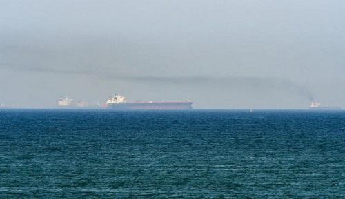 حوادث امنیتی مشکوک و پی در پی برای کشتی ها در خلیج فارس و دریای عمان