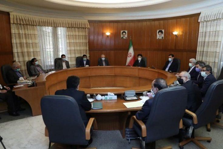 دیدار ابراهیم رئیسی با تولیدکنندگان واکسن ایرانی کرونا
