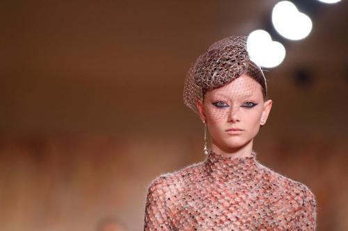 """شو لباس برند """"دیور"""" در پاریس/ عکس"""