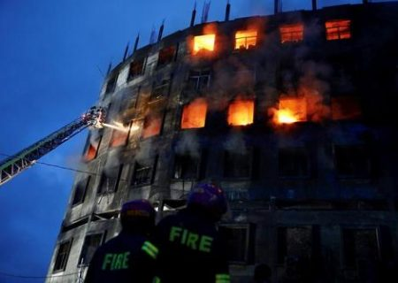 ۵۰ کشته و دهها زخمی در آتش سوزی بنگلادش/ عکس