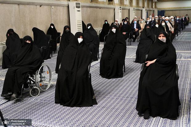 دختران امام خمینی در مراسم تنفیذ ابراهیم رئیسی/عکس