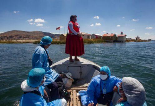واکسیناسیون بومیان در جزیره ای در پرو/ عکس