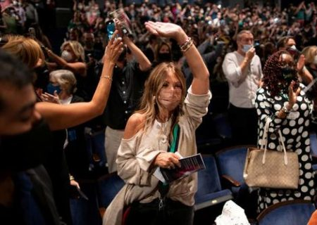 بازگشایی تئاتر نیویورک پس از تعطیلی کرونایی/ عکس