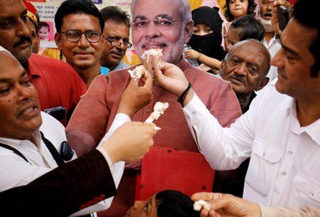 کیک تولد نخست وزیر هند/عکس