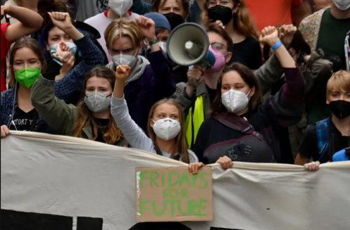 تظاهرات فعالان محیط زیست در برلین/ عکس