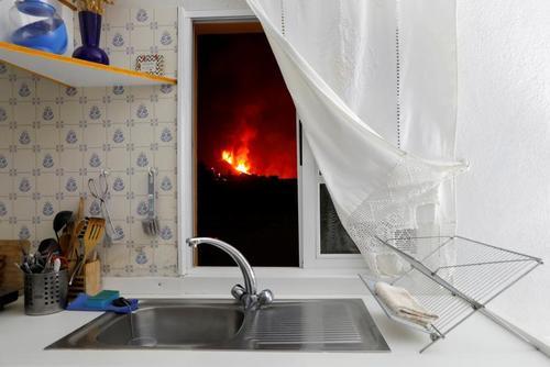 فعالیت آتشفشان در مجمع الجزایر قناری اسپانیا/ عکس