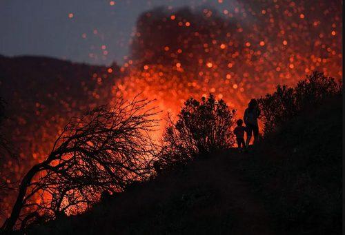 فوران آتشفشان در اسپانیا/ عکس