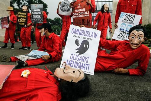 اعتراض فعالان ضدفساد در اندونزی/عکس