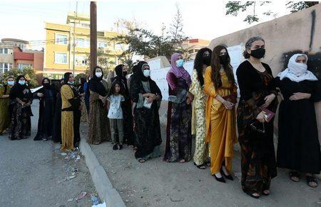 صف مشارکت در انتخابات پارلمانی عراق /عکس