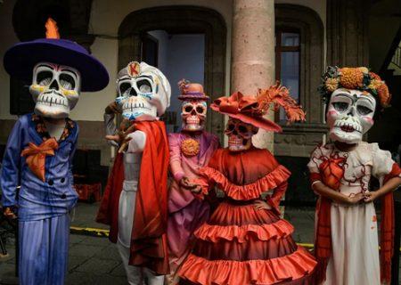 رژه روز جهانی مردگان در شهر مکزیکوسیتی/عکس